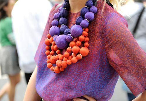 pretty, bright baublesBig Necklaces, Jewelry Colors, Diy Crafts, Color Combos, Ball Necklaces, Fabric Beads, Colors Life, Chunky Necklaces, Bead Necklaces