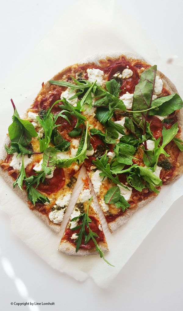 Fuldkornspizza med chorizo og ruccola (2)