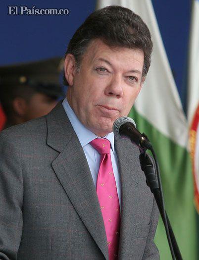 """Santos pidió a la canciller iniciar contactos con Nicaragua, tras fallo de La Haya    Así lo indicó el Presidente de la República en su cuenta de Twitter, en un mensaje en el que también solicitó """"manejar esta encrucijada con prudencia y respeto""""."""