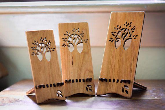 Wood iPhone Stand iPhone 5 6 6 Plus por ideasinwood en Etsy