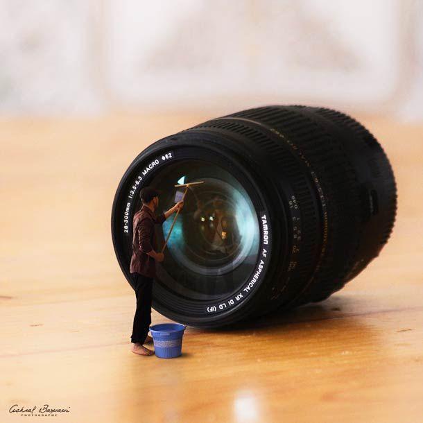 """La série """"Inside my dreams"""", du photographe marocainAchraf Baznani, qui s'amuse à se mettre en scène dans un monde gigantesque à travers des auto-portrait"""