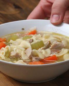 Hühnernudelsuppe | Koch dir doch mal ein Süppchen, Hühnernudelsuppe zum Beispiel