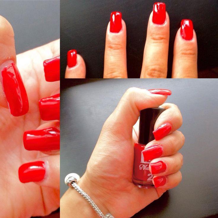 Red nail polish Gel Effect #nails #nailpolish #rednails #glam #gel #gelnails #beauty #cosmetics #fashionista #summer #makeup #photooftheweek #sun #cool #blogger #mua #beautifulday #beautiful #color #trends #follow #follow4follow #like4like #kiko #miamibeach #anastasiabeverlyhills #silvynewmakeup