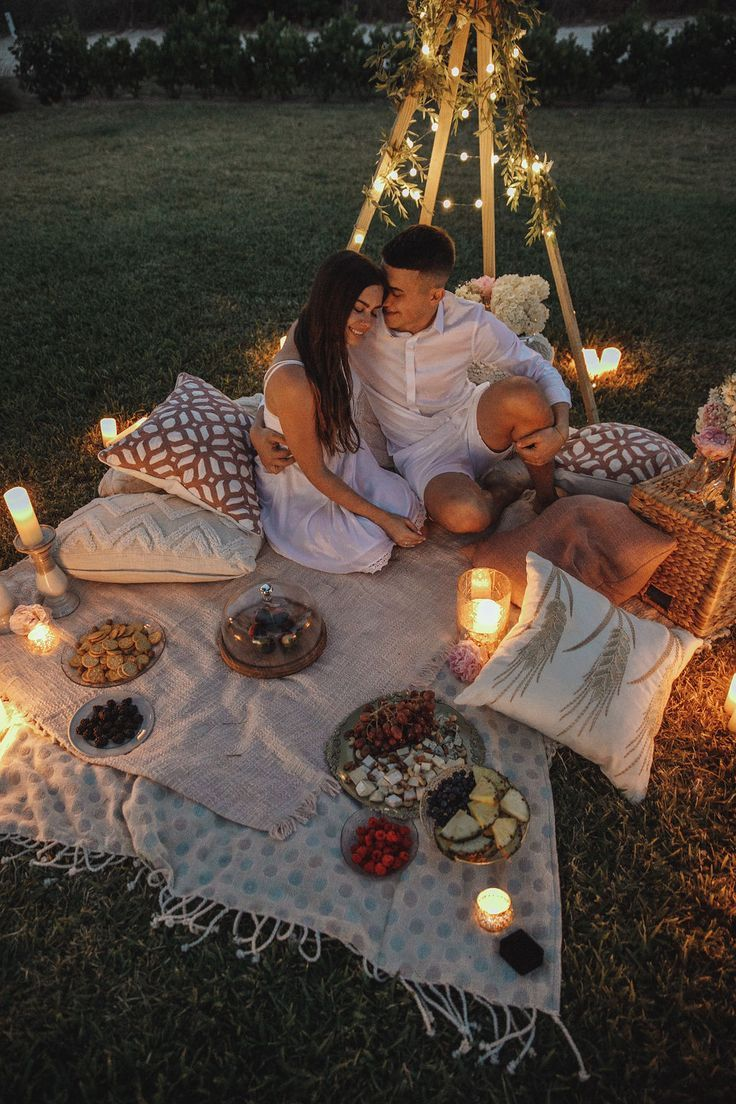 Miami Marriage Proposal Picnic In The Private Garden Light Up Letters 50 Candles A Romantic Picnic Photo And Video Shooting And Much More We Offe Leuchtbuchstaben Romantisches Picknick Romantische Picknicks