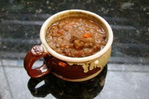 Hearty Slow Cooker Lentil Soup with Vegetables and Sausage: Slow Cooker Lentil Soup with Smoked Sausage