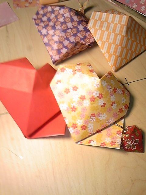 すべての折り紙 折り紙ハートボックス : 可愛い、折り紙の「立体ハート ...