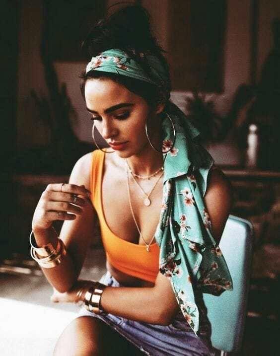 Head Scarf and Bow Hairstyle   25 Hair Ideas   Vera Casagrande #headscarves #hea…