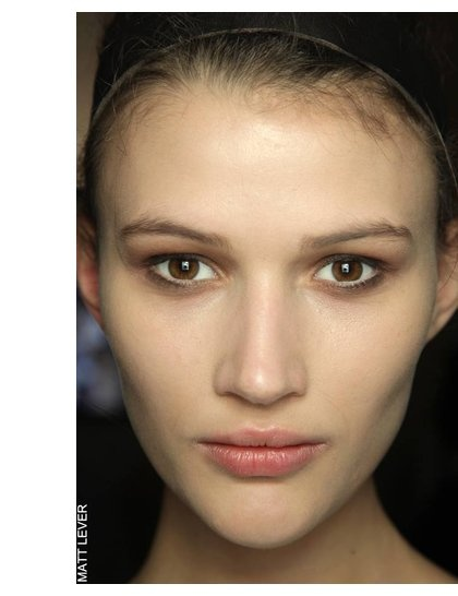 No mascara trend with brown smokey eyes - I really like this one!