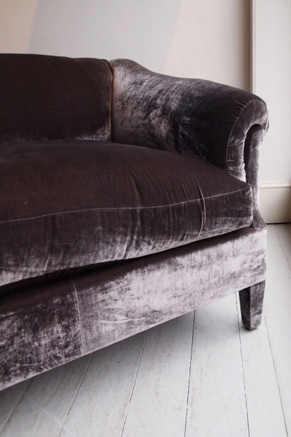 LOVE this aubergine sofa! But spice it up with Prettypegs furniture legs :) #prettypegs #furniturelegs #diy