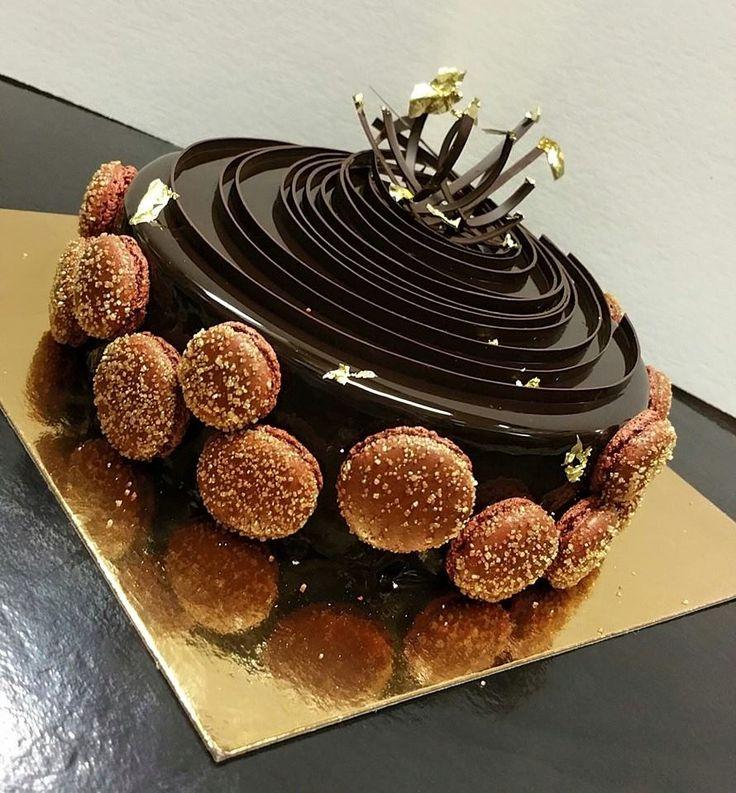 Pierre & Michel -- Gorgeous pastries, breads, chocolates (Elmwood Park)
