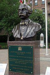 NJ - Union City: Juan Pablo Duarte Park - Juan Pablo Duarte y Diez (wallyg) Tags: sculpture statue newjersey nj bust jersey unioncity hudsoncounty juanpabloduarte juanpabloduartepark juanpabloduarteydez juanpabloduarteydiez