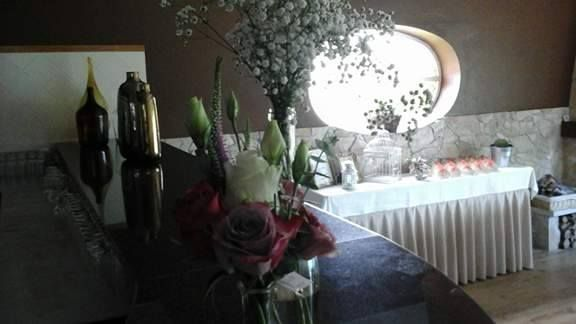 Casamento decoração rosas, estoma e vivas