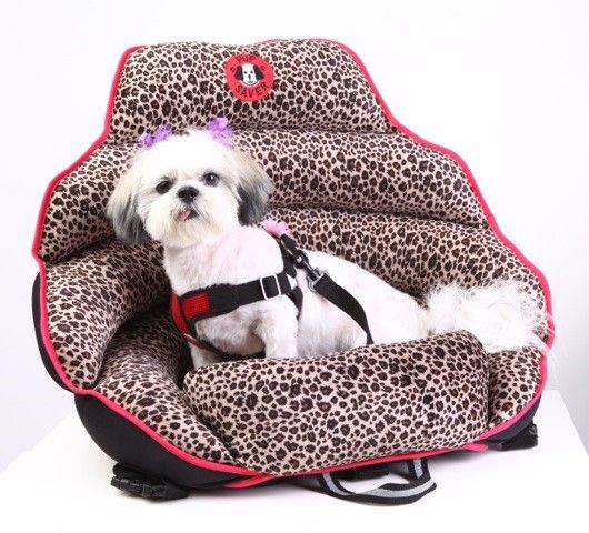 Crash tested dog car seats. The only crash tested dog booster seat to pass MGA crash testing. Made for dogs under 30 lbs.