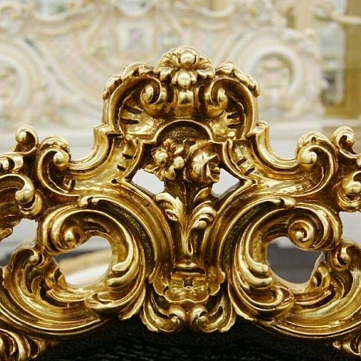 Klasik yatak başlıkları. #koltuk#kanepe#oyma#masko#dekorasyon#istanbul#dugun#mimar#modoko#cerceve#gelinlik#antika#davetiye#yatakodaları#yatakbasligi#yatak#furniture#gold#green# by yatakbasliklari