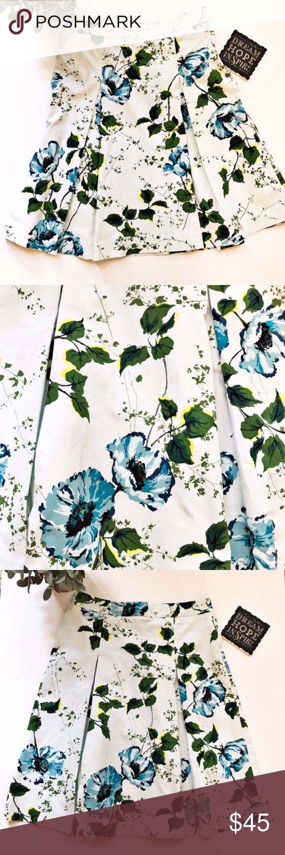 "Banana Republic Floral Pleated A-Line Skirt New without tags Banana Republic pleated a-line stretch skirt. Beautiful floral print. On trend for Fall. Hidden side zipper. Fun, flirty and versatile. Tag size 0. 97% Cotton, 3% Spandex. Approximate measurements laying flat: waist 13"", outseam 21"". 👗👛👠👙👕Bundle & Save! Banana Republic Skirts A-Line or Full"