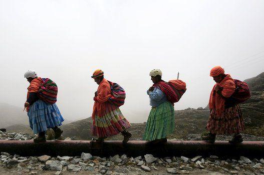 ¿El sexo débil?, ¿en serio?, si ellos pueden, ellas también. Cholas bolivianas # #alpinistas