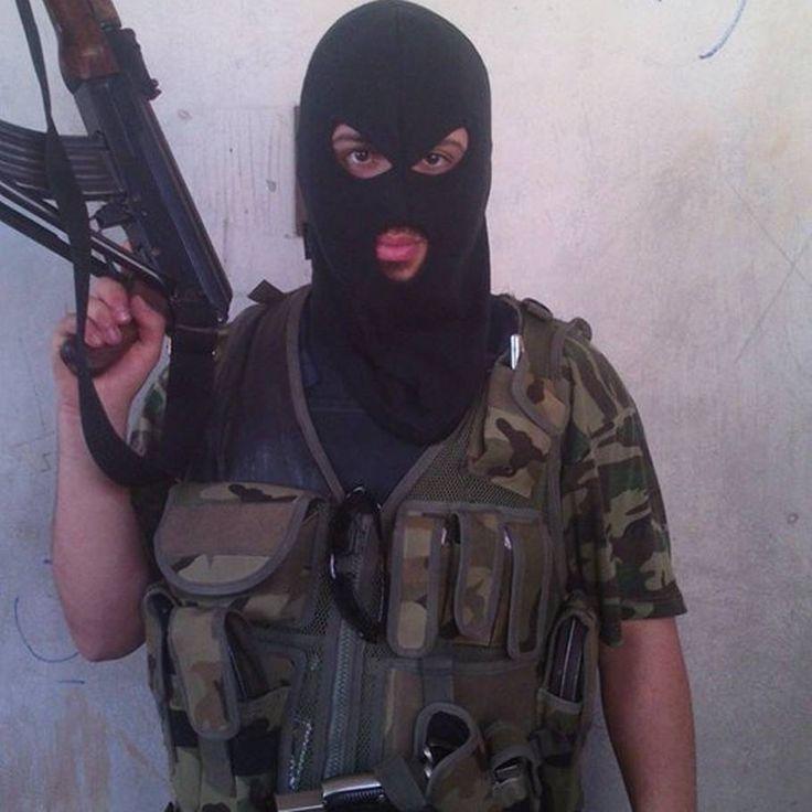 Syrien-kriger med i brutal afpresningsbande