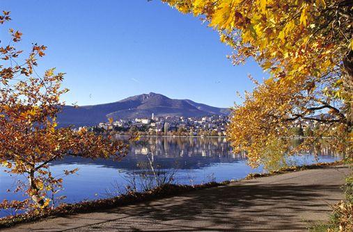 VISIT GREECE| Kastoria lake, #Kastoria #Macedonia #Greece