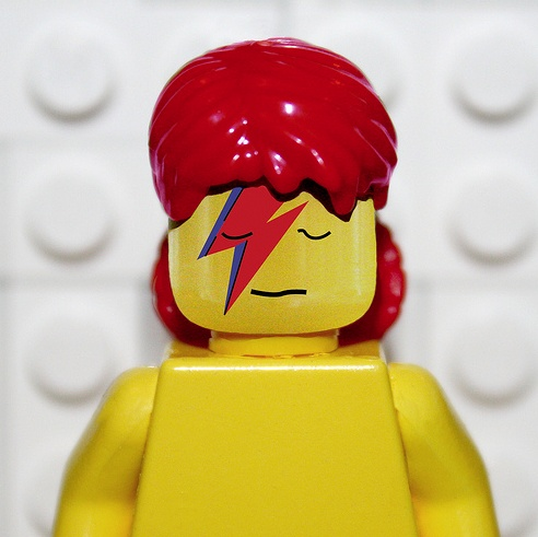 LEGO David Bowie - I'm so sad:( I never missed one concert of David BOWIE in PARIS, LONDON, BERLIN  aso... since I was a child... He was A GENIUS! *** Je suis si triste:( Je n'ai jamais manqué un seul concert de David BOWIE à PARIS, LONDRES, BERLIN etc... depuis que j'étais enfant... C'était un GENIE! - in the Group Board ♥ David BOWIE FOREVER http://www.pinterest.com/yourfrenchtouch/david-bowie-forever
