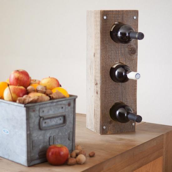 Wijnrek 'GAAT' - Dit karakteristieke wijnrek is gemaakt van massieve verweerde balken. Een bijzondere eyecatcher in uw interieur! Het RUW wijnrek biedt plaats aan 3, 6, 9 of 12 standaard wijnflessen.