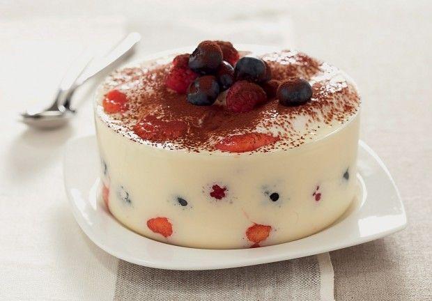 Un dessert que l'on ne présente plus mais dont on ne se lasse jamais ! Voici une nouvelle version du Tiramisù : le Tiramisù aux fruits. Une excellente rece