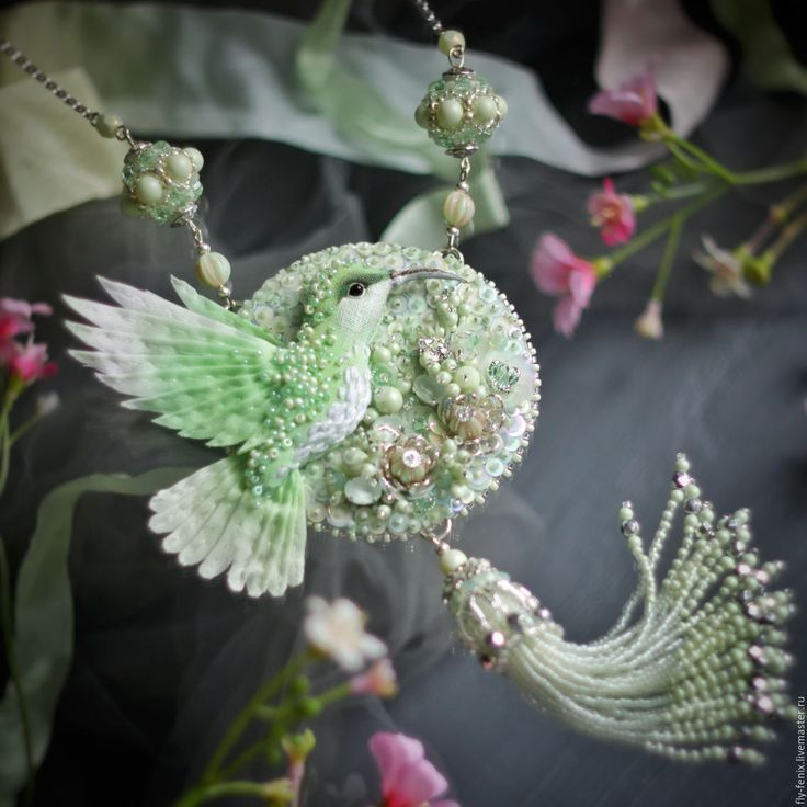 "Long necklace with bead embroidery | Колье-сотуар ""Окно в весну"" — работа дня на Ярмарке Мастеров"