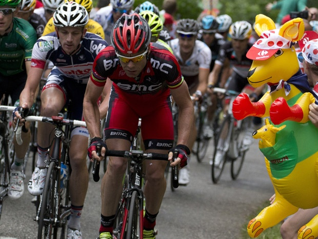 Cadel Evans cheered on by Kangaroo. Tour de France 2012 #sbstdf #tdf12