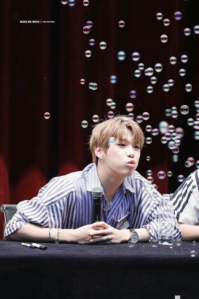 I wish I could be the bubble >…<