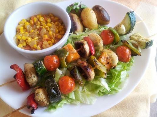 Brochettes de legumes et corn relish