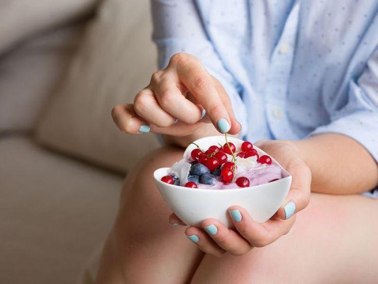 ρευματοειδή αρθρίτιδα  Οι αντιφλεγμονώδεις τροφές που βάζουν «φρένο» στη ρευματοειδή αρθρίτιδα |Giatros-in.gr