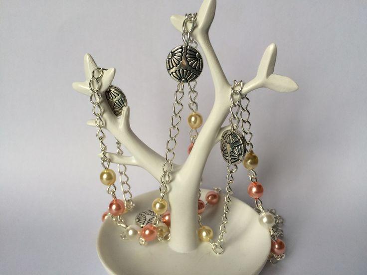 Collier sautoir perles nacrées jaune, rose et blanche et perle fleur en métal : Collier par alterperles