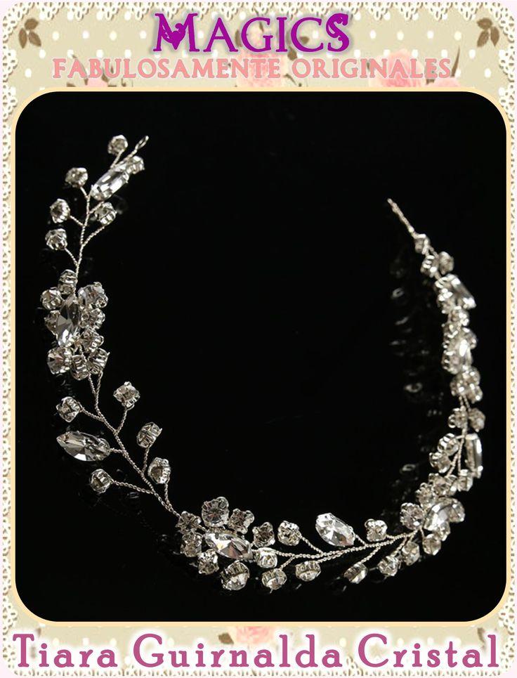 Coronas y tiaras para novias, damas y quinceañeras. Artesanales o importados. En Mexicali, B.C. #novia #bride #xv #quinceañera #dama #headpiece #tocados #boda #wedding #nupcial #bridal #peinado #peineta #comb #tiara #corona #crown #hairstyle #peinado #mexicali #glam #nice #magic #elegante #brillantes #brillos #lujoso #joyeria #jewerly #bisuteria #rhinestone #fashion #moda #vintage #princesa #princess #reyna #queen #cristal #glamour #fiesta #gown #gala #adorno #noche #glamour #glam #royal