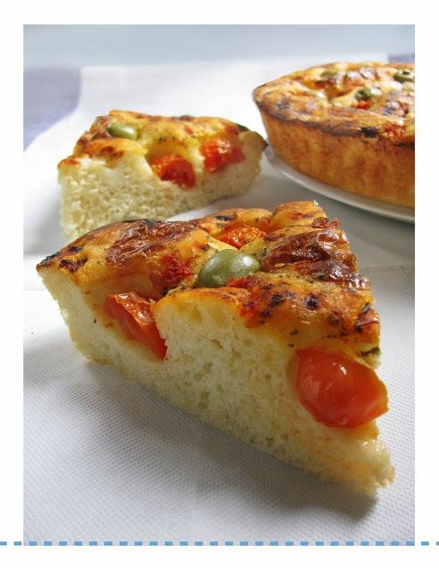 Focaccia Barese fatta con il Bimby LEGGI LA RICETTA ► http://www.ricette-bimby.com/2010/07/focaccia-barese-col-bimby.html