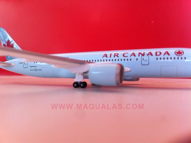 Boeing 787 Air Canada a escala 1:500 de Herpa