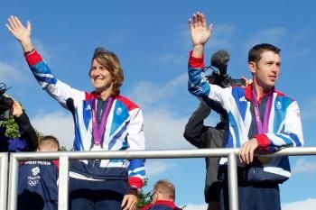 Katherine Grainger has announced that she will be making a return to rowing after two years out of the sport.
