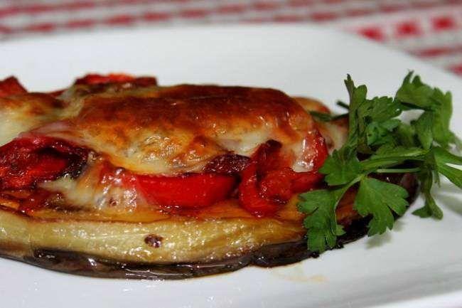Dinners Time adlı okurumuzun gönderdiği fırında kaşarlı patlıcan tarifi...