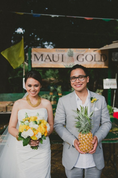 Hawaiian Wedding with Yellow and Gray Color Palette