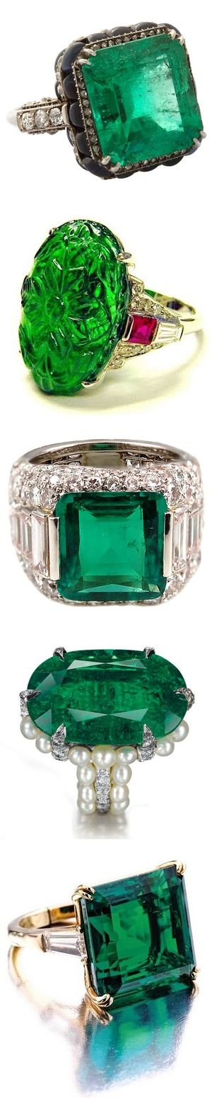 Ah, an Emerald...that's what I'd like for my engagement ring...should I ever get one...