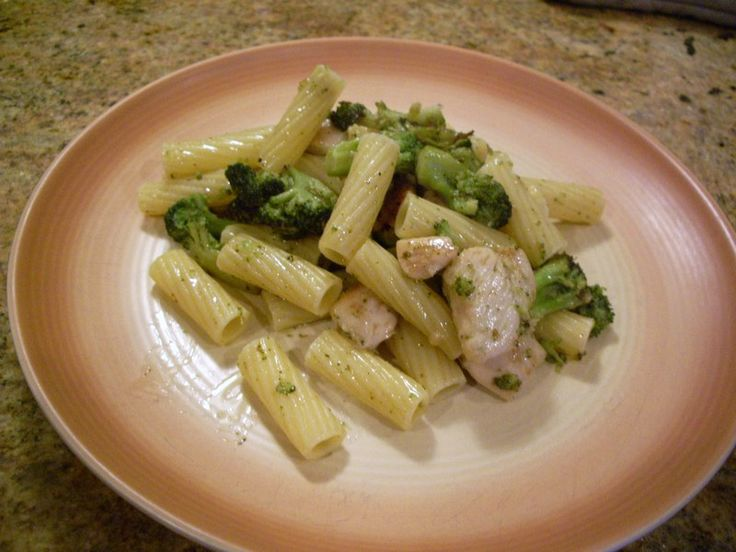Chicken, Broccoli, and ziti with garlic butter sauce. Trying to find the best recipe out there!
