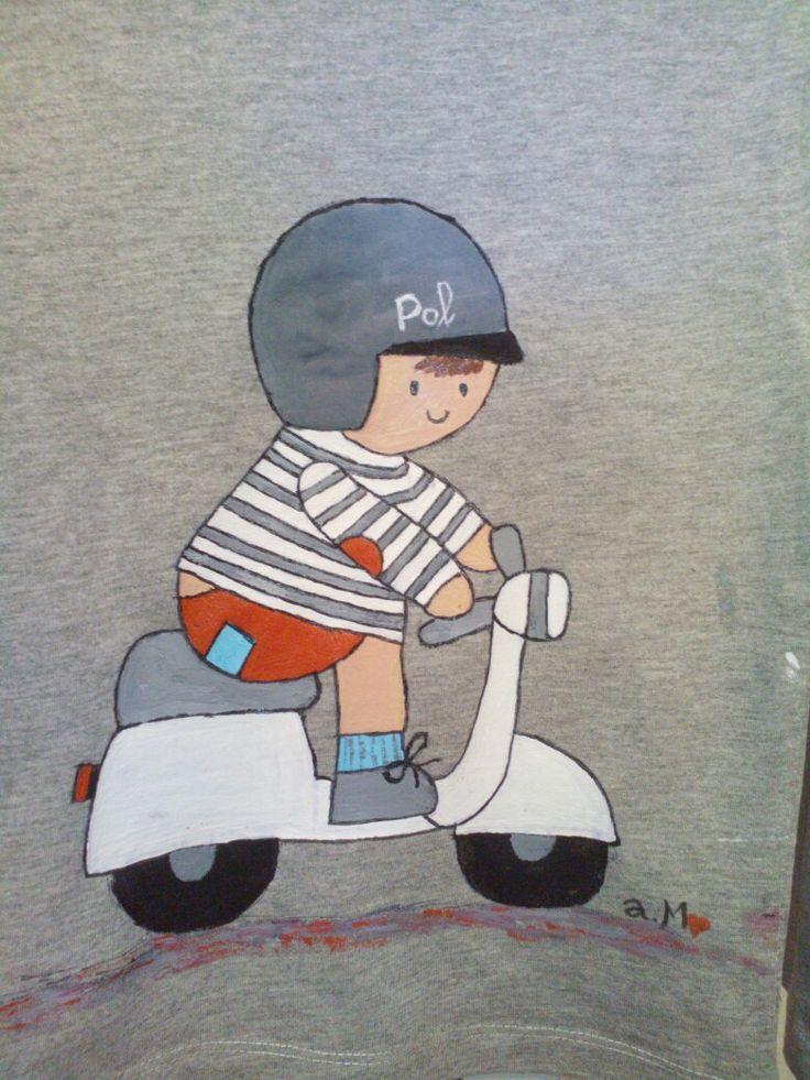 Camiseta pintada a mano ......niño en moto.    El jardin de mis sueños