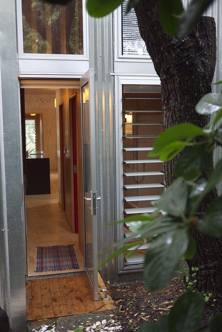 Lloyd Holiday House by Bonnifait + Giesen