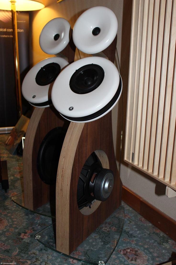 Der Gradient Helsinki 1.5 war in einem der Räume von Moje Audio leider nur sehen, gespielt wurde Trenner und Friedl. Der finnische Dipol-Lautsprecher kostet circa 5000 Euro