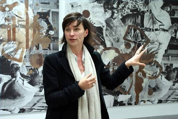 What Does an Art Museum Curator Do?