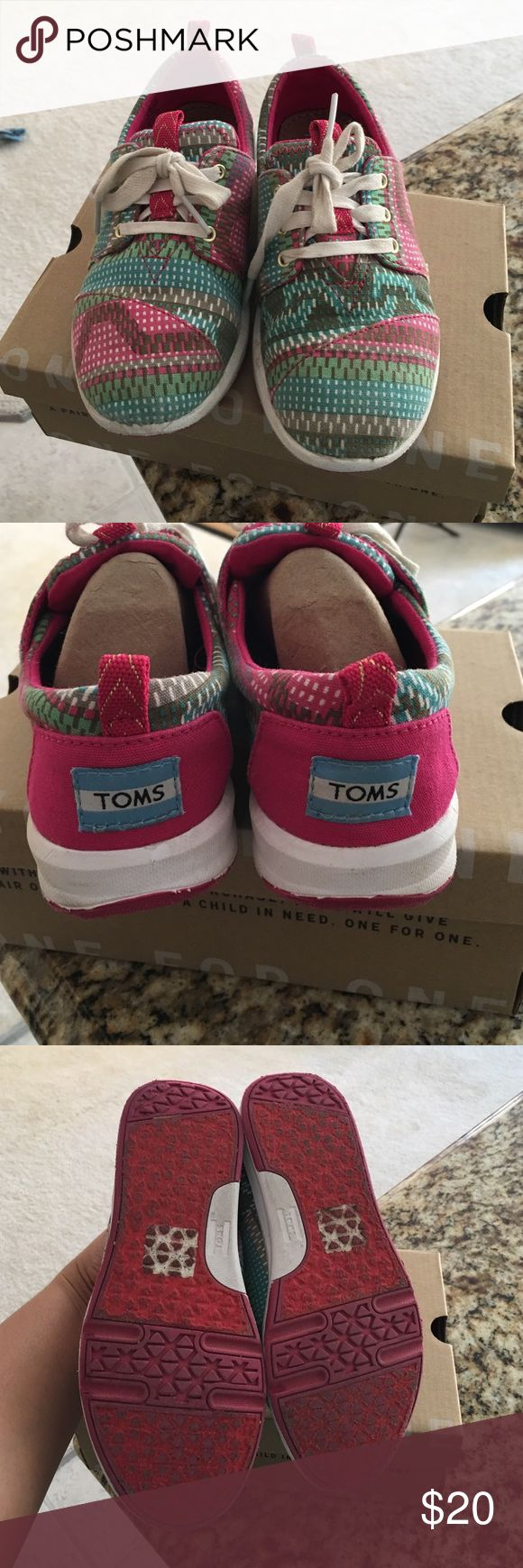 Authentic TOMS for Girls Good preowned condition. TOMS Shoes Flats & Loafers