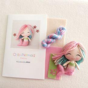 He encontrado este interesante anuncio de Etsy en https://www.etsy.com/es/listing/253930765/rainbow-chibi-mermaid-pattern-kit
