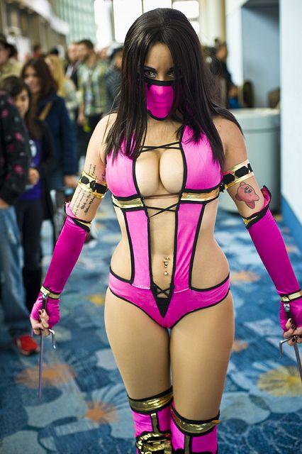 The way the REAL Mileena looks on Mortal KombatCosplay Mortal Kombat, Cosplay Sexy, Sexy Cosplay, Comics Con, Cosplay Girls, Geeky Girls, Cosplay Gallery, Wondercon 2012, 2012 Cosplay