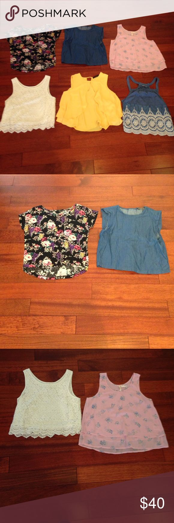 💋Crop top in black floral print Black and floral short sleeve top by forever 21 Forever 21 Tops Crop Tops