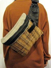 ebagos エバゴス シープレザー×籐カゴショルダーバック・ブラック