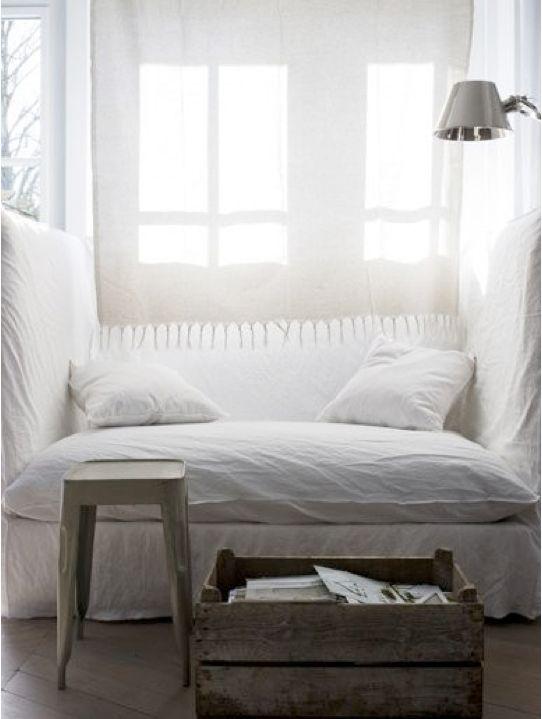 nap: Spaces, Cozy Nooks, Interiors, White, Reading Nooks, Naps Time, Places, Bedrooms, Window Seats