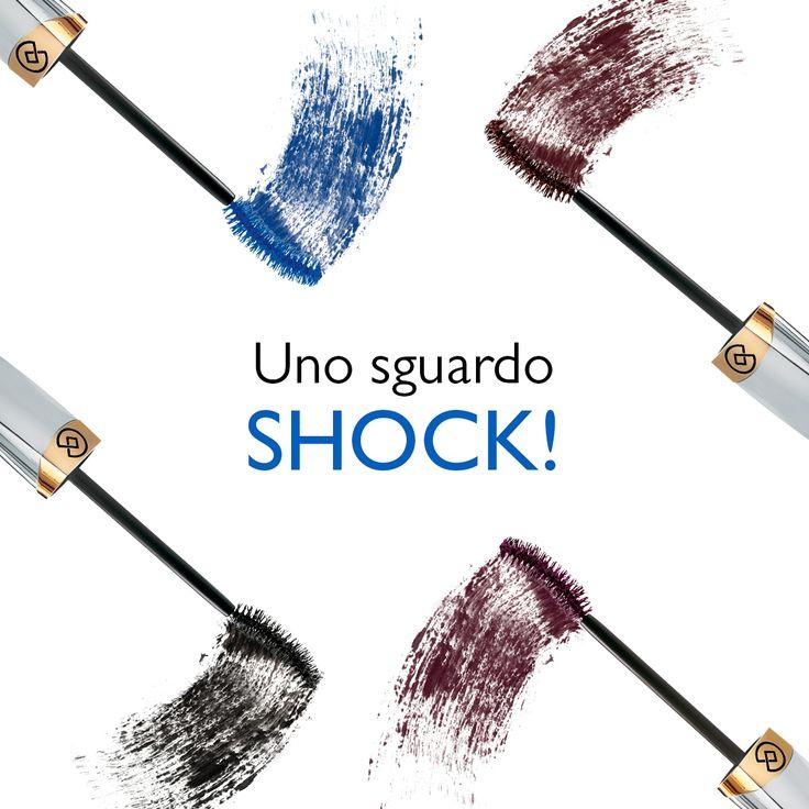 Con Mascara Shock ottieni subito ciglia voluminose, allungate e uno sguardo magnetico. Disponibile in quattro diverse tonalità: Nero, Blu, Marrone o Bognogna.